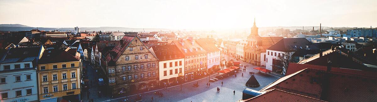 Die Bayreuther Innenstadt im Abendlicht