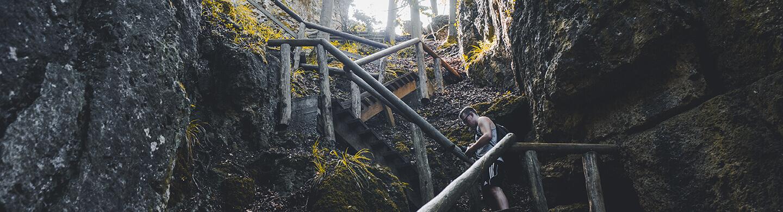 Treppenaufstieg auf dem Frankenweg bei der Burg Gößweinstein